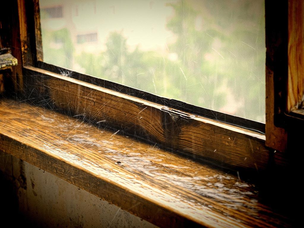 Restauro infissi in legno a bergamo falegnameria p m p - Restauro finestre in legno ...